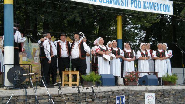 folklorne-slavnosti-pod-kamencom