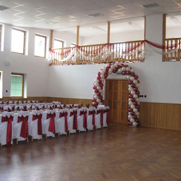 Výzdoba sály kultúrneho domu