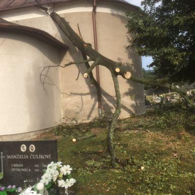 Cintorín po búrke 28.7.2019