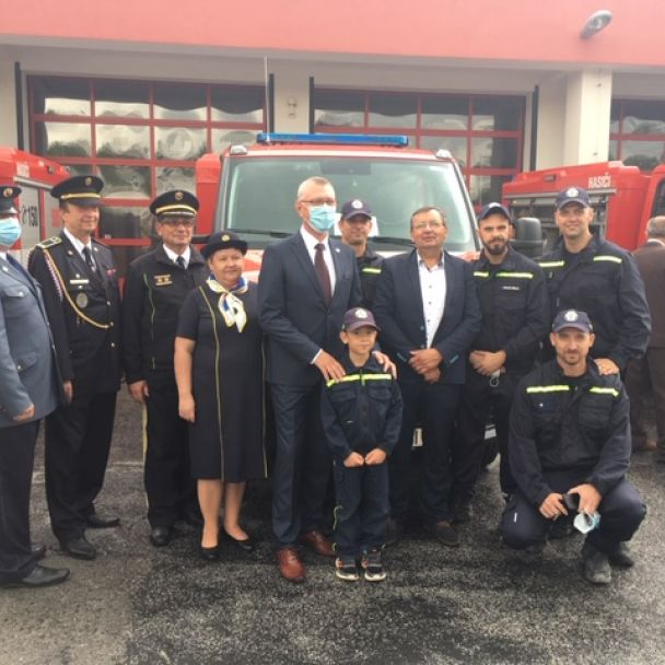 Slávnostné prevzatie hasičského vozidla - Nitra Čermáň